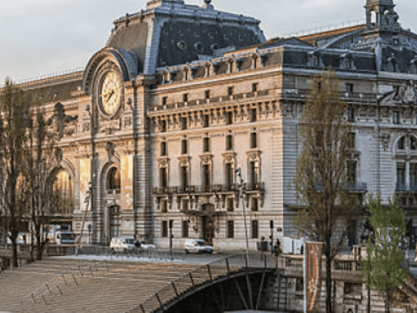 Team-Building-Visite-guidee-pour-entreprise-au-musee-dOrsay-de-Paris
