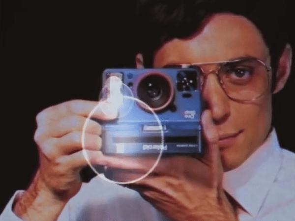 animation-Capturez-votre-evenement-en-polaroid-version-stand-ou-reportage-pour-soiree-entreprise-ou-seminaire-a-paris
