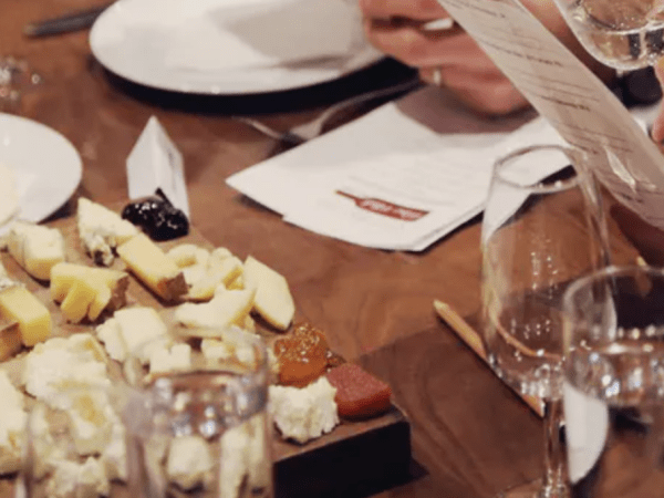 team-building-Team-Building-quizz-et-degustation-de-fromages-a-laveugle-a-Paris