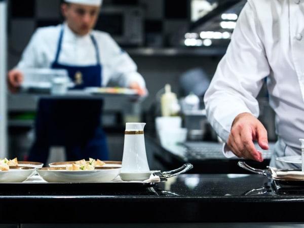 Team-Building-Team-Building-demonstration-dun-chef-cuisinier-de-luxe-a-Paris