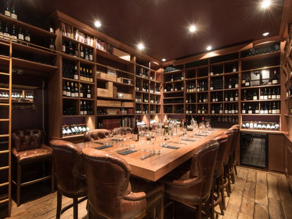 team-building-Team-Building-degustation-de-vins-dans-le-1er-arrondissement-de-Paris