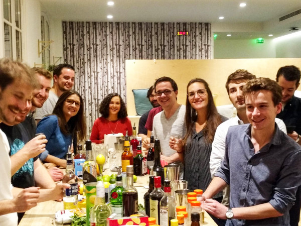 Team-Building-Atelier-cocktails-entre-collaborateurs-au-coeur-du-Marais