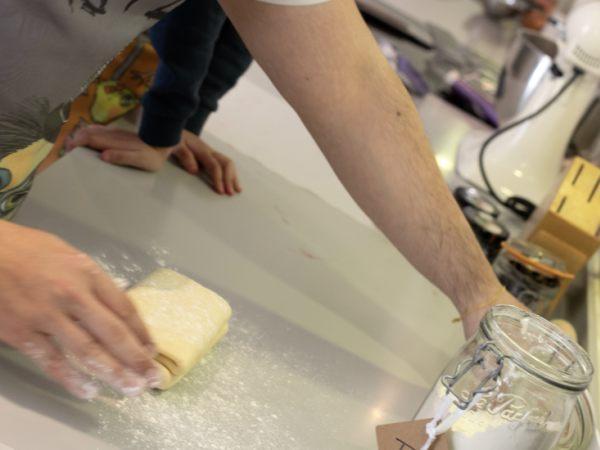 Team-Building-Team-Building-preparation-de-croissants-en-equipe-a-Paris