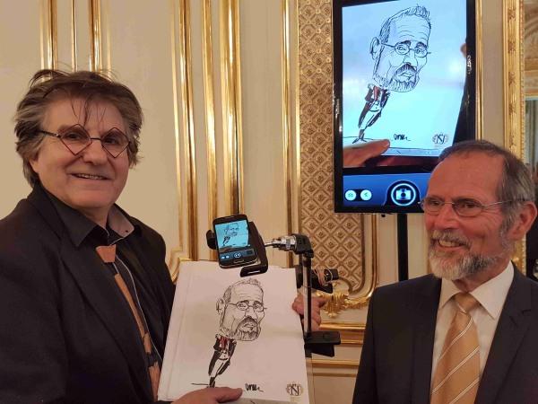 Team-Building-Caricaturiste-et-portraitiste-sur-Paris-pour-soiree-entreprise-ou-seminaire-a-paris