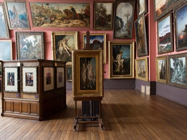 Team-Building-Visite-guidee-et-visite-imaginaire-du-musee-Gustave-Moreau-en-equipe