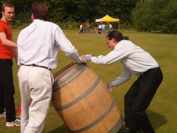 Team-Building-Challenges-defis-et-olympiades-autour-de-la-tradition-vigneronne