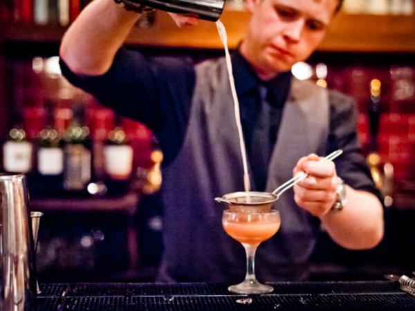 Team-Building-Animation-bar-a-cocktails-a-Paris-pour-vos-invites
