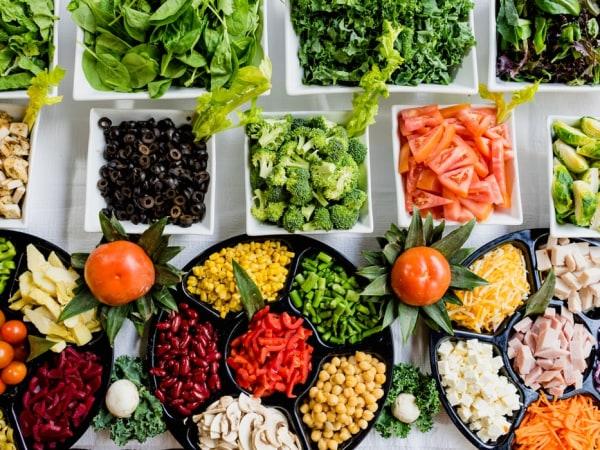 Team-Building-Un-bar-a-salade-pour-manger-plus-sainement-lors-de-votre-evenement