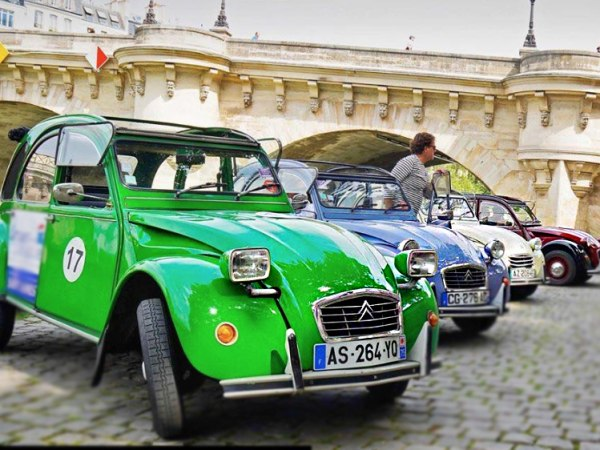 team-building-Team-Building-rallye-murder-party-en-2CV-en-equipe-a-Paris