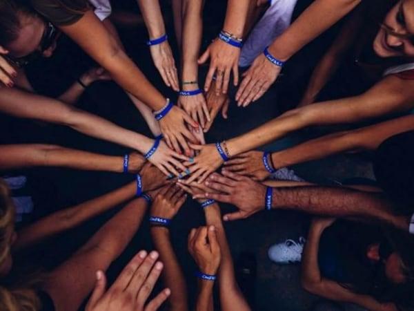 team-building-Team-building-challenge-hackathon-au-profit-dune-association-en-equip