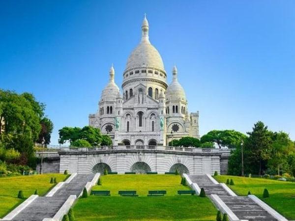 team-building-Team-building-Montmartre-au-cinema-en-equipe-a-Paris