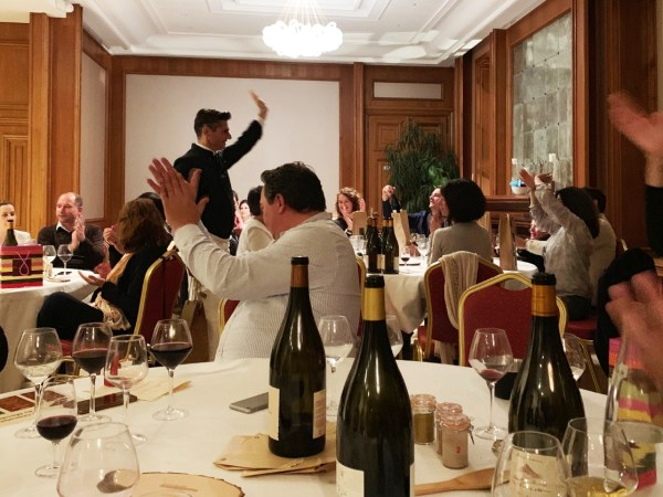 team-building-Team-Building-one-man-sommelier-les-degustations-oenoludiques-a-Paris