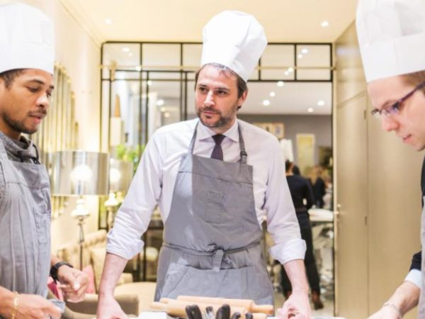 team-building-Team-Building-cours-de-cuisine-apprentis-restaurateurs-a-Paris