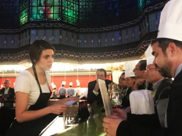 team-building-Team-Building-animation-quizz-et-mystere-de-la-gastronomie-a-Paris