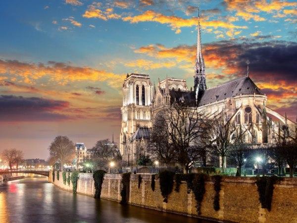 team-building-Team-Building-visite-du-cote-obscur-de-Paris-en-equipe