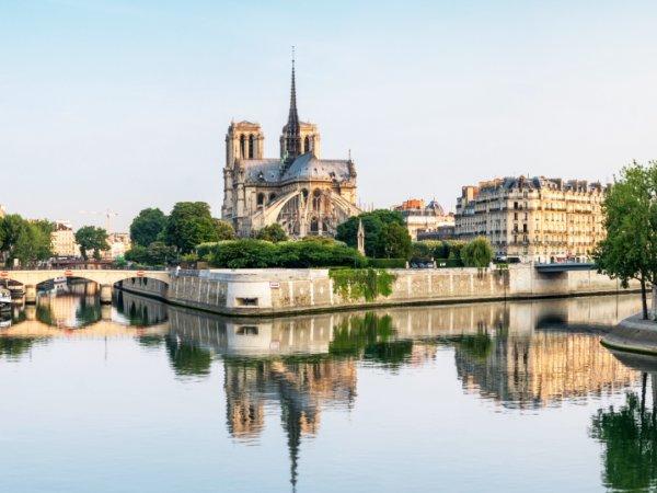 team-building-Team-building-balade-au-coeur-de-lIle-de-la-Cite-en-equipe-a-Paris