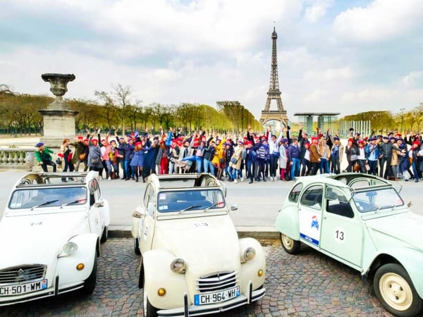 team-building-visite-paris-en-deux-chevaux