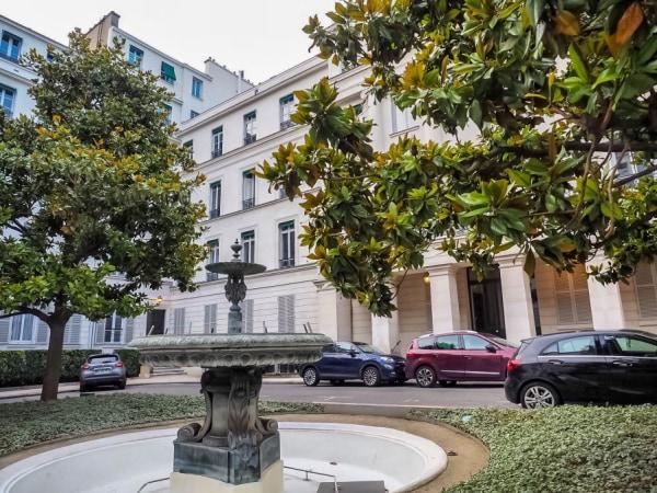 team-building-Visite-guidee-interactive-en-ligne-du-quartier-de-la-Nouvelle-Athenes