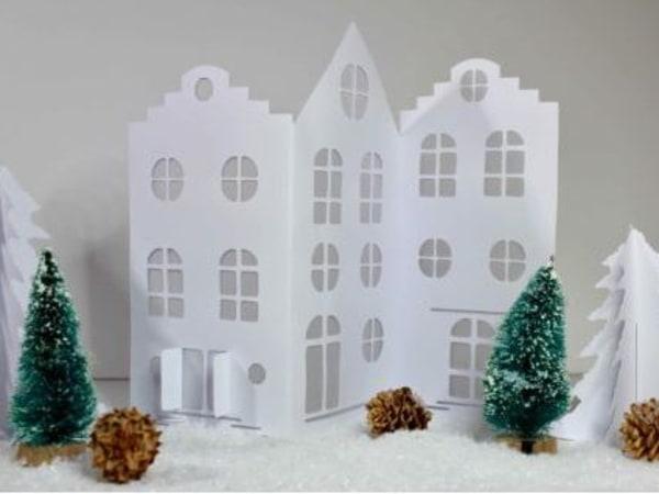 team-building-Team-building-confection-de-village-de-Noel-en-papier