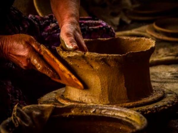 Team-Building-Team-building-atelier-initiation-a-la-poterie-a-distance
