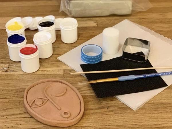 Team-Building-Atelier-DIY-teambuilding-a-distance-de-peinture-sur-ceramique