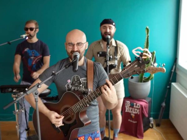 team-building-Un-Blindtest-unique-joue-en-live-par-des-musiciens-professionnels