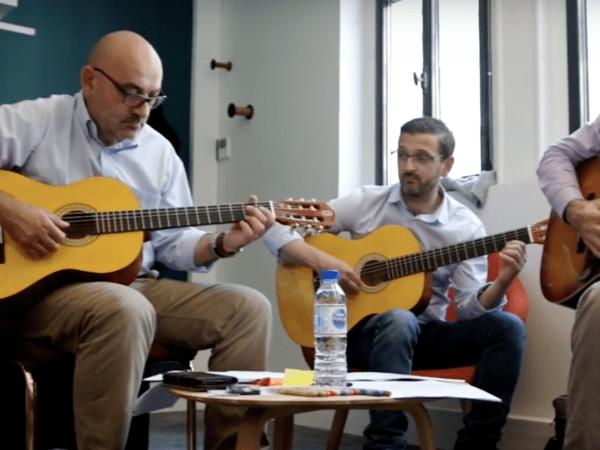 team-building-team-building-ludique-et-musical-en-entreprise-a-paris