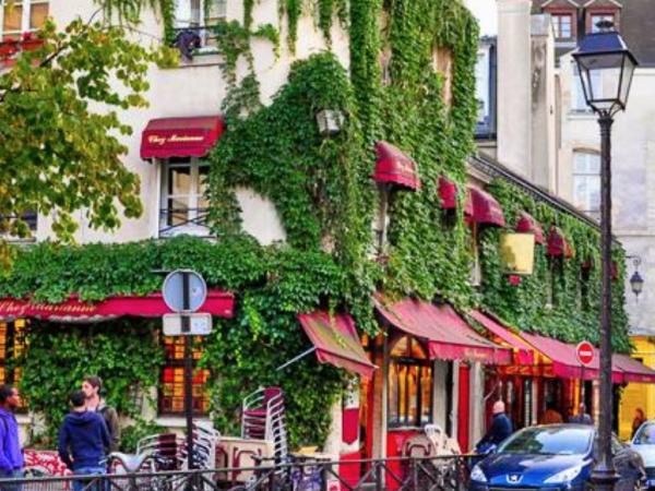 Team-Building-visite-culturelle-pour-entreprise-balade-en-groupe-a-paris