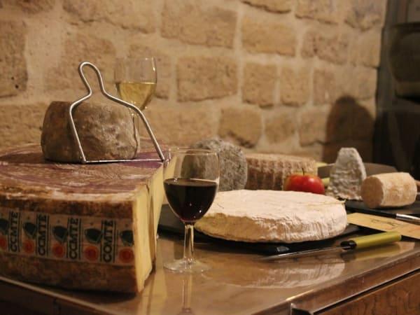 Team-Building-team-building-degustation-fromage-et-vin-a-paris-avec-ses-collegues