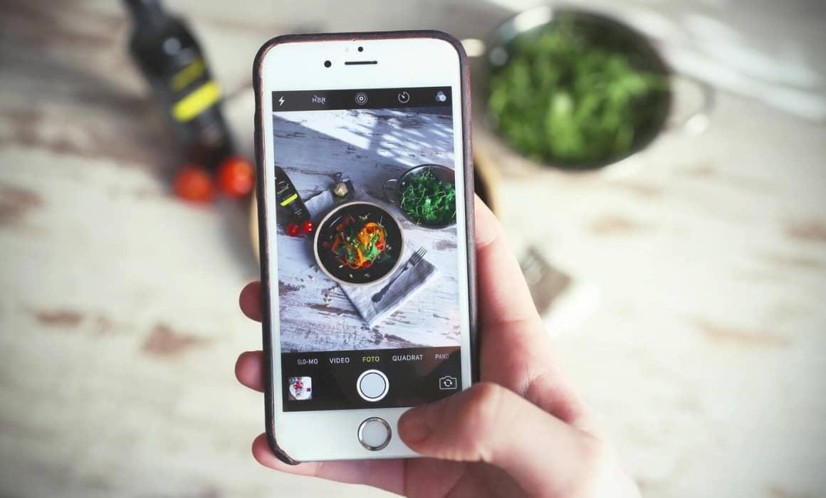 Autenticita je důležitý faktor obsahu na sociálních sítích a na Instagramu to začíná být čím dál tím důležitější. Nesnažte se ze sebe nebo svého produktu udělat něco, co není. Buďte hrdí na to, co vy nebo váš produkt umí a to komunikujte.