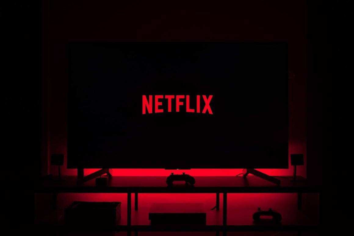 Netflix patří mezi největší online streamovací platformy s největším množstvím obsahu. Zároveň jeho produkce, mezi které spadá film Sociální Dilema, patří taktéž mezi největší.