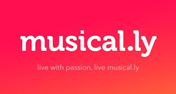 TikTok byla původně skvělá aplikace musical.ly, které podstoupila rebrandingem, jelikož název musical.ly  nebyl vhodný pro celosvětovou expanzi a tak od té doby známe aplikaci TikTok.