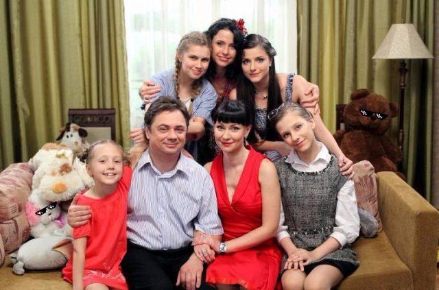 «Хотелось бы снять еще несколько серий»: звезды «Папиных дочек» Дарья Мельникова и Лиза Арзамасова рассказали о причинах закрытия сериала