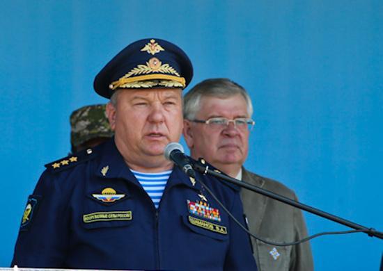 Экс-глава ВДВ призвал Филиппа Киркорова извиниться за ролик о десантниках