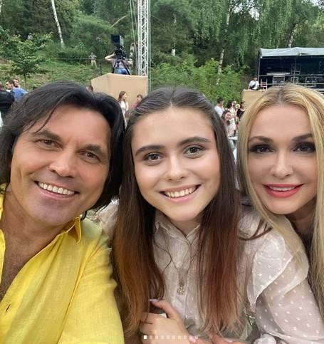 Фанаты в восторге: Ольга Сумская показала красавицу-дочь