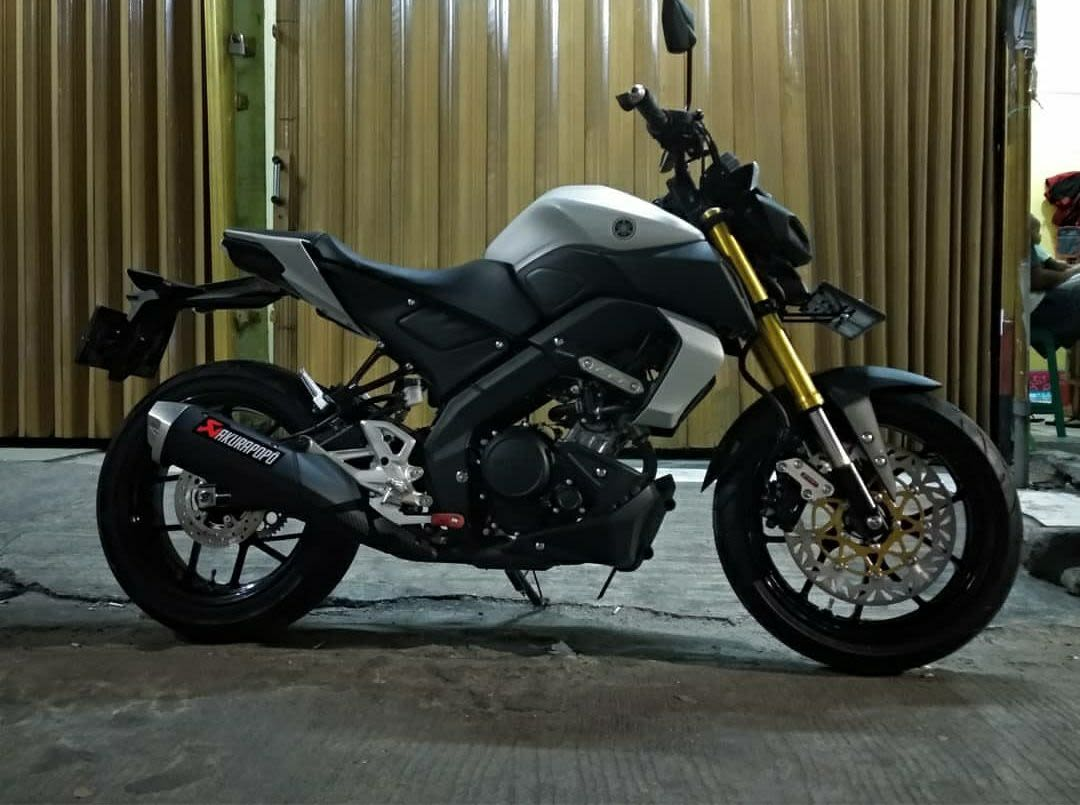 Yamaha MT15 Modifikasi Ban Gambot