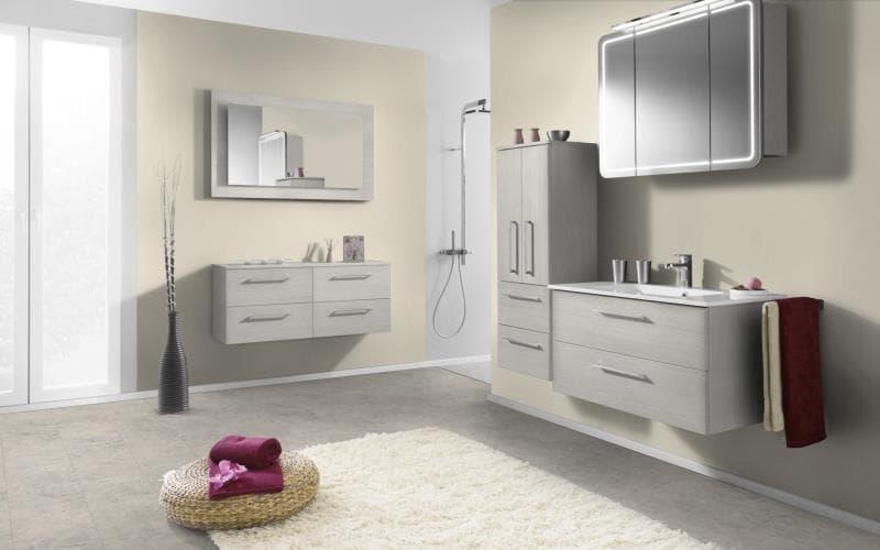Economique Matt Hacienda White Bathroom