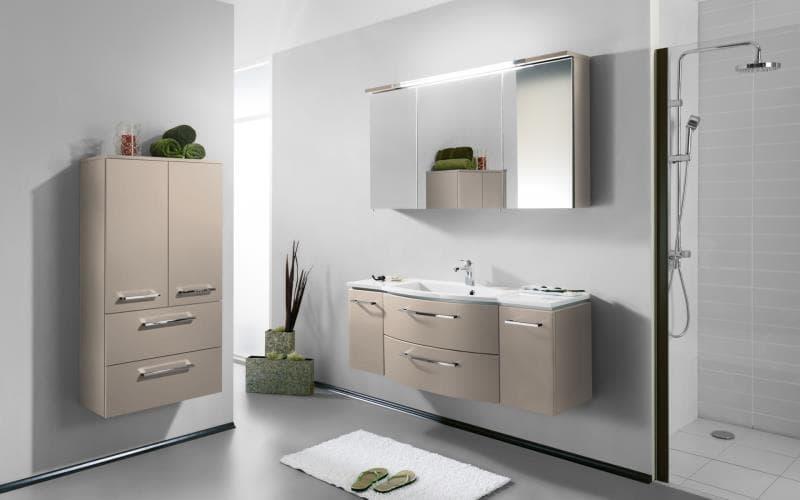Saturn Gloss Beige Bathroom