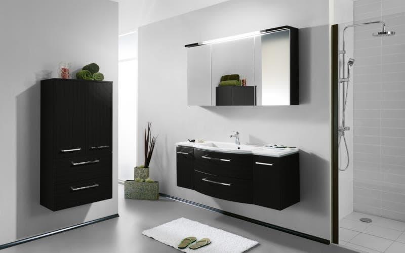 Saturn Gloss Black  Bathroom