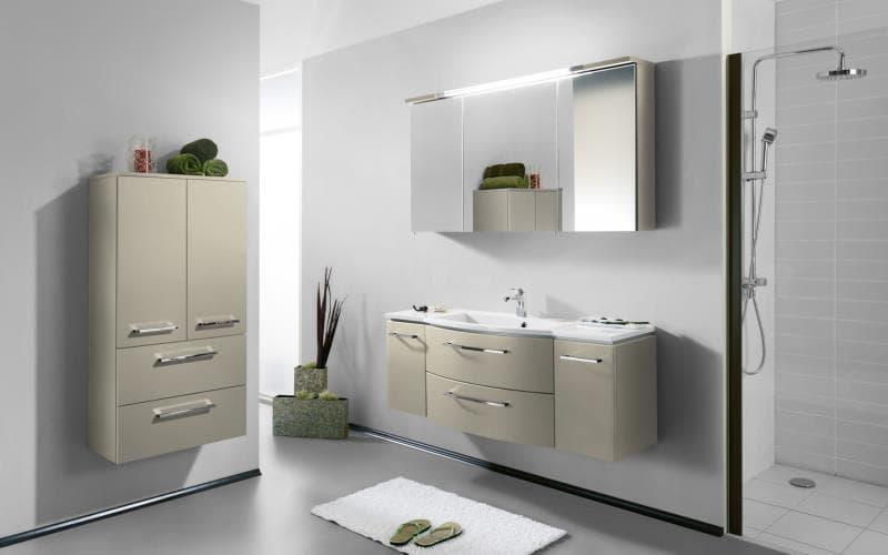 Saturn Gloss Mussel Bathroom
