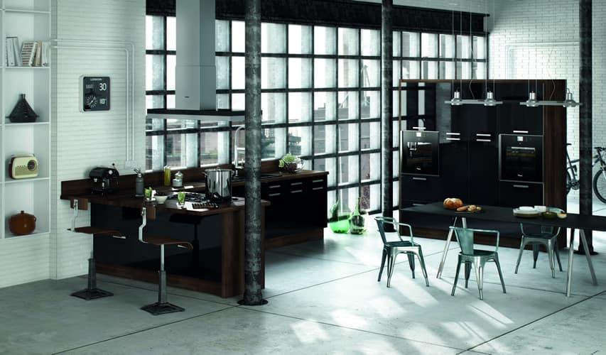 Sorrento Gloss Black