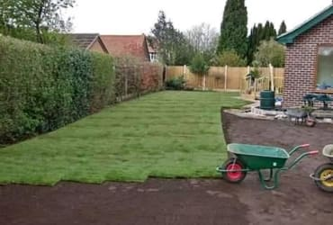 Quality lawns direct from the farm, 1 day installation.