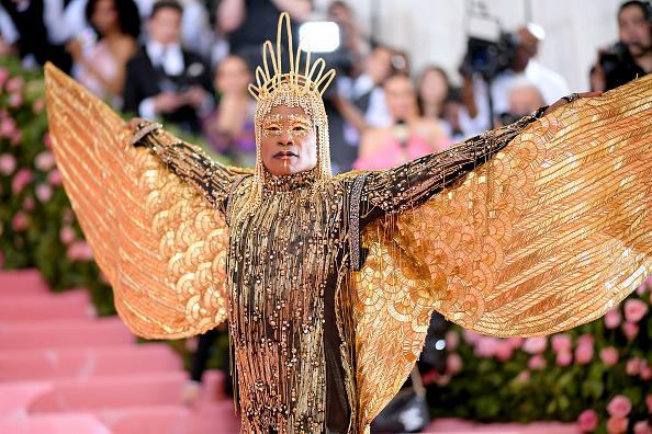 «Придумай наряд для Met Gala»: Билли Портер запустил модный челлендж