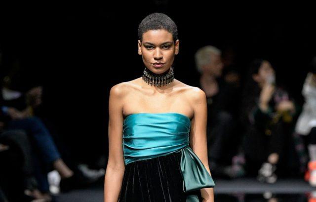 Показ Emporio Armani на Неделе моды в Милане