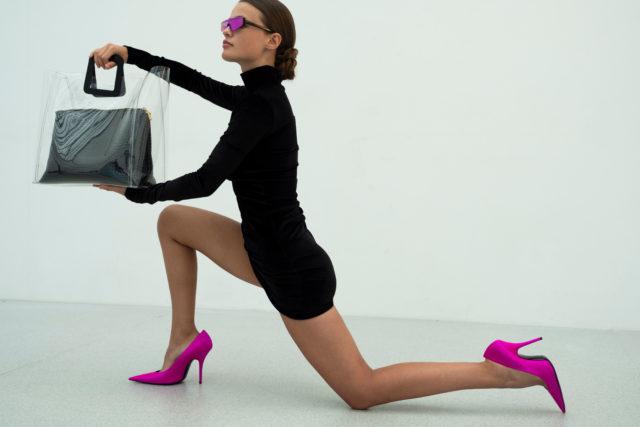 Смотри, как это круто! Наш любимый стилист Юлия Пелипас сняла весенне-летний лукбук ДЛТ