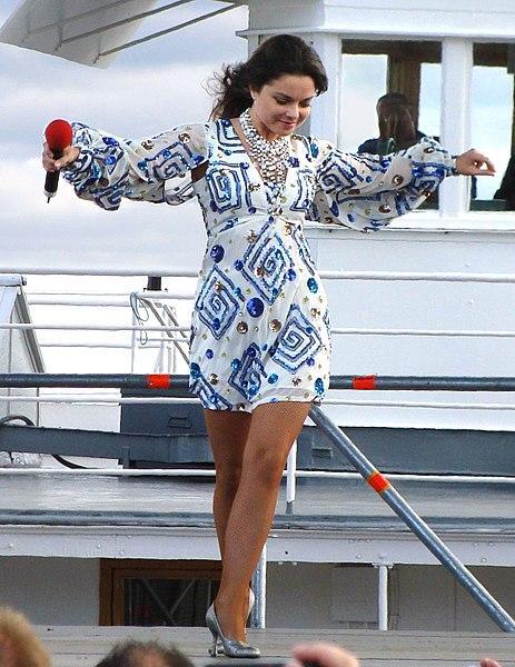 Наташа Королева рассказала подписчикам, что последние дни пребывает в меланхолии