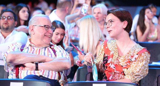 «Family look»: Евгений Петросян впервые опубликовал совместное фото с молодой женой