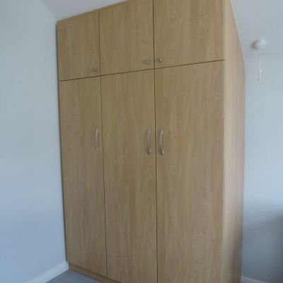 angled wardrobe natural montana oak