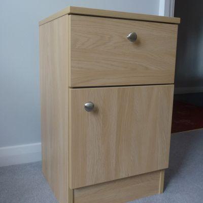 bedside cabinet natural montana oak