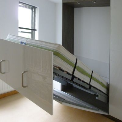 foldaway bed opening